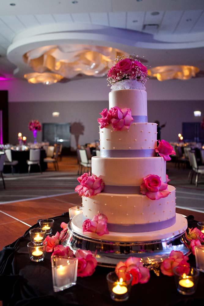 Wedding Loews Hotel, Wedding cake detail, Saint Paul Wedding Photographers