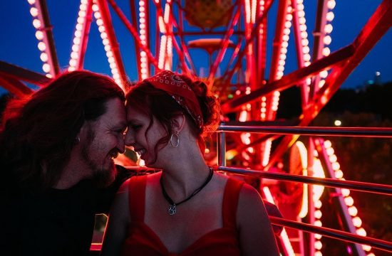 Betty Dangers Country Club Ferris Wheel Night Minneapolis Engagement Photographers, lights, downtown, evening, love, Twin Cities, Minnesota, Saint Paul, Wedding Photographers