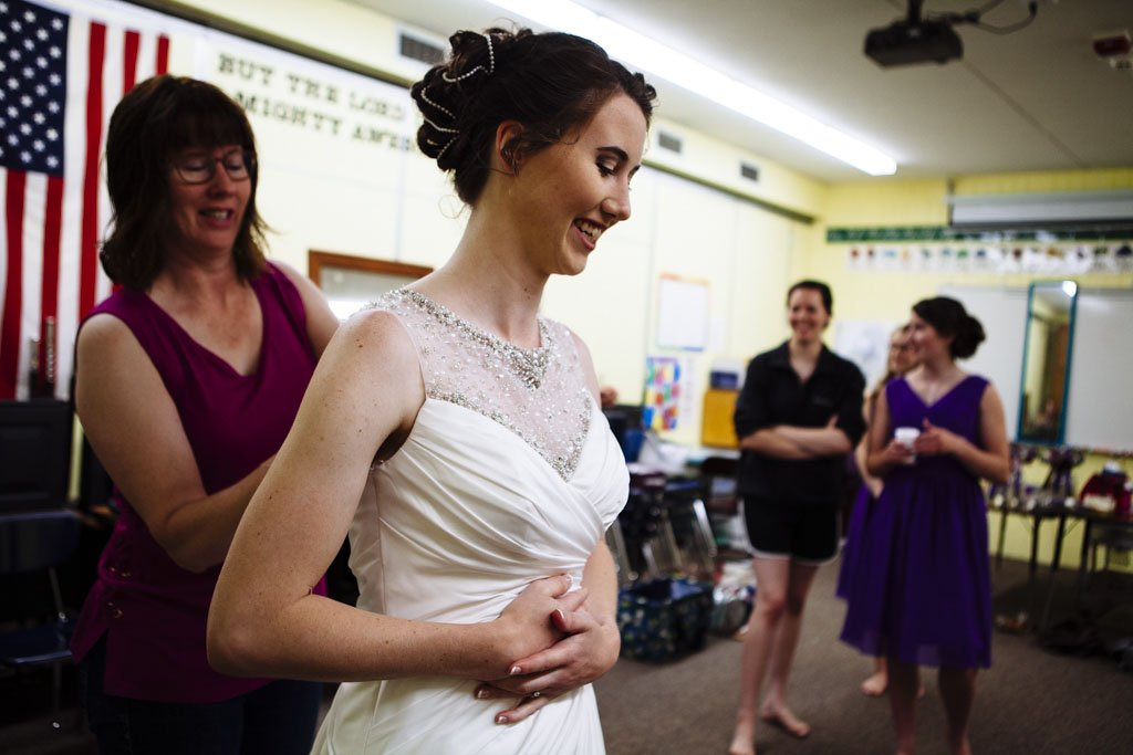 Grace Lutheran Church Wedding Dress Candid, Twin Cities Wedding Photographer