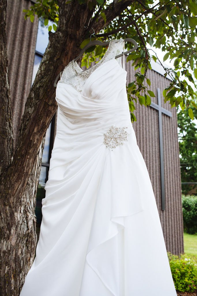 Grace Lutheran Church Wedding Dress, St Paul Wedding Photographer