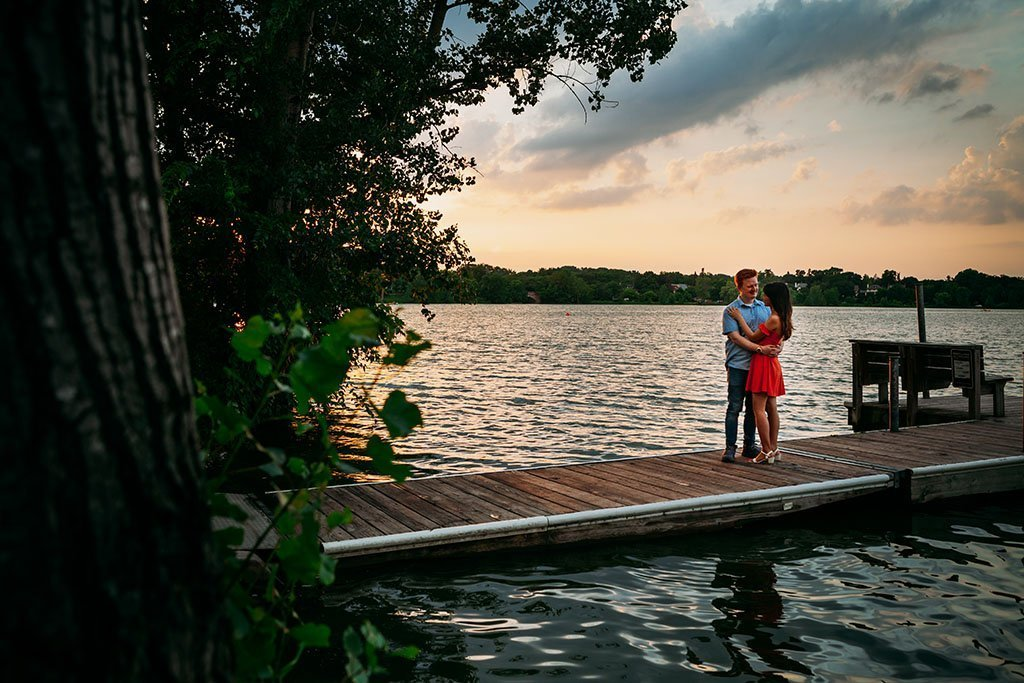 Lake of the Isles Minneapolis Engagement Photography, Minnesota Wedding Photographers, Saint Paul Photography, Nature, park, outdoors, portrait shoot, romantic, lovely, sweet, documentary, art, photographers