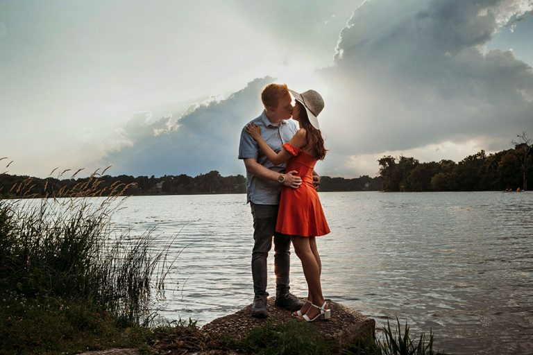Lake of the Isles Minnesota Engagement Photography, Minnesota Wedding Photographers, Saint Paul Photography, Nautre, park, outdoors, portrait shoot, romantic, lovely, sweet, documentary, art, photographers