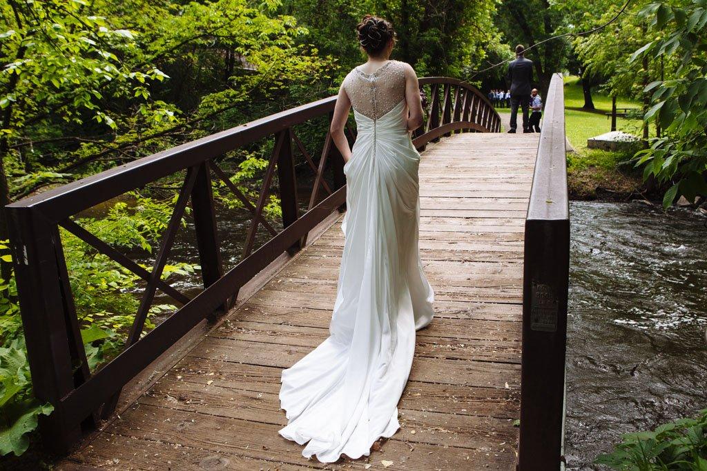 Manomin Park First Look, Minnesota Wedding Photographer