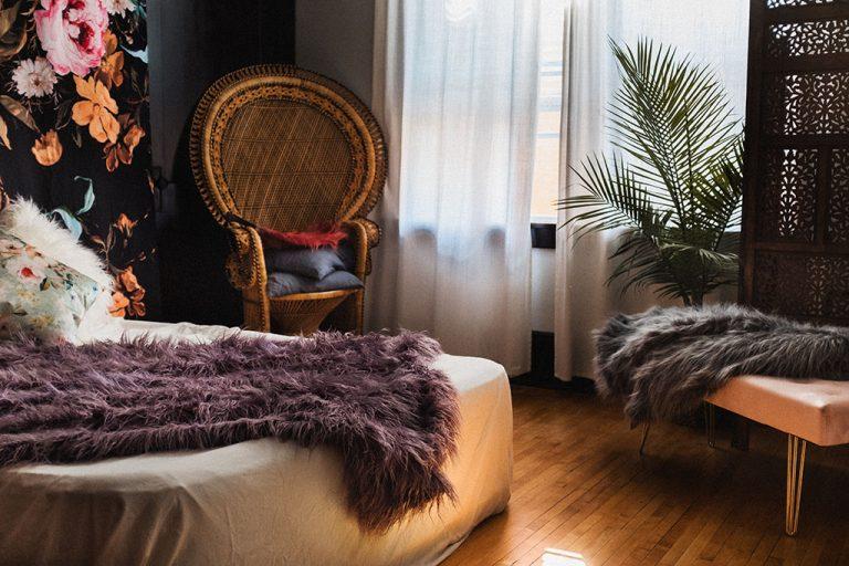 Minneapolis Boudoir Photography Studio, Twin Cities Boudoir, Minnesota Boudoir, Uptown Minneapolis, Photography, Photographers, Boho, Chic, peacock chair, rattan, wicker, palm tree