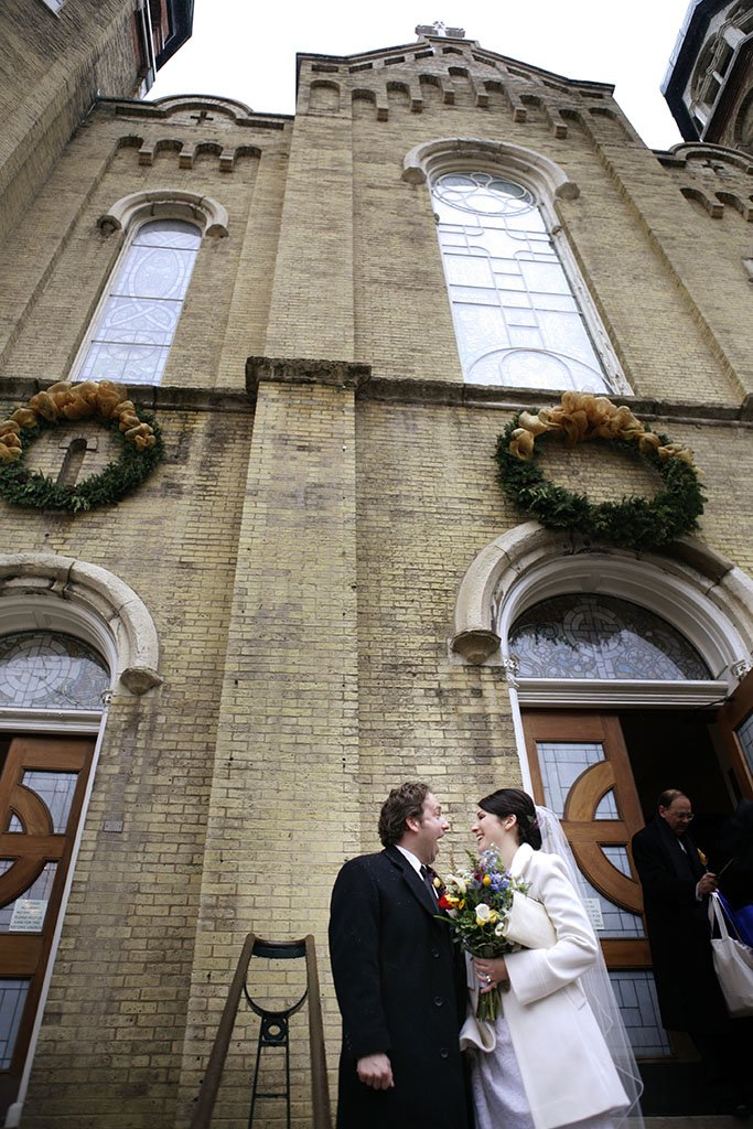 Old St. Patrick's Catholic Church Chicago, bride and groom candid