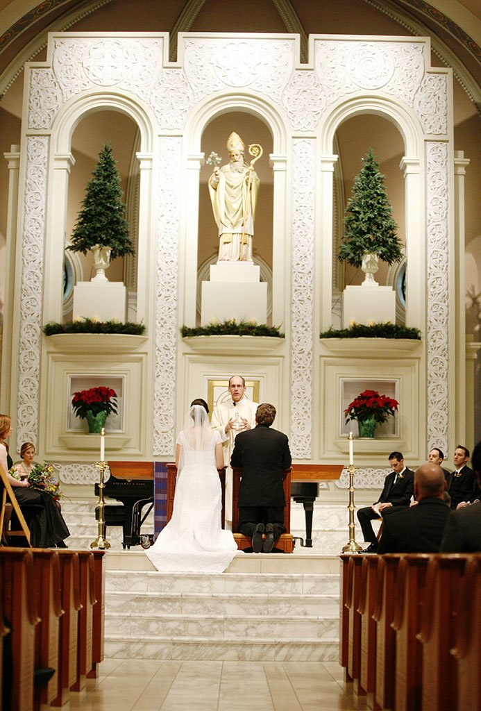 Old St Patrick's Catholic Church Chicago wedding ceremony