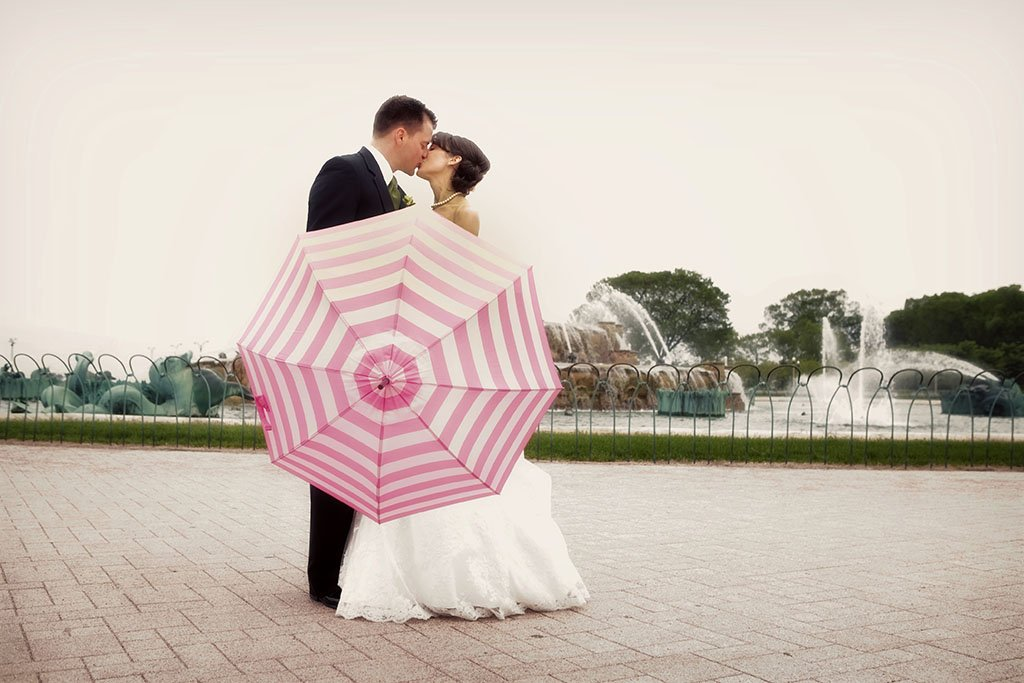 Pink Umbrella Buckingham Fountain Wedding Photography, Pink and White Striped umbrella, Grant Park Chicago, Bride and Groom wedding portrait, Beth & Anthony