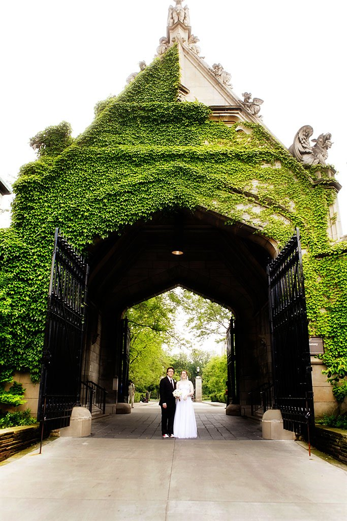 University Chicago Arch Wedding Portrait, Mame & Eric