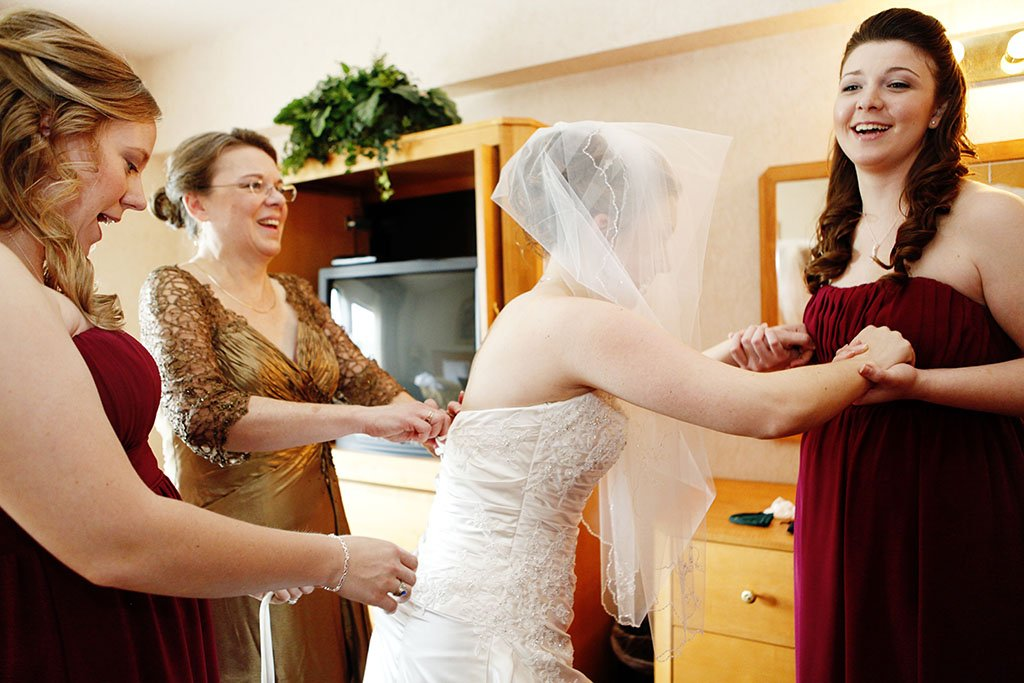 Wyndham Hotel Bride Lacing Wedding Dress, Glenview, Illinois, Chicago Wedding Photographer
